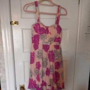 Forever 21 Sz Medium Hi-Lo pink and grey Flora